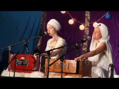 Servant Of Peace ~ Snatam Kaur & Ajeet Kaur