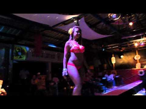 Maria Fernanda Torres Pasarela Sueños de Verano Video 3
