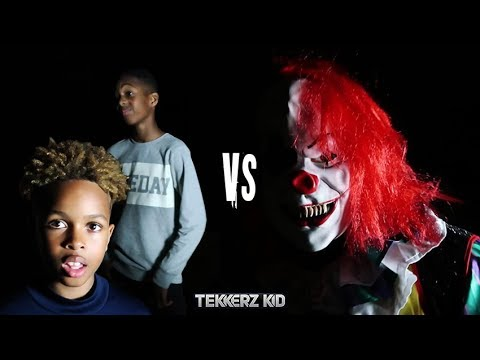 Killer Clown vs Kids   Scary Halloween Midnight Football!