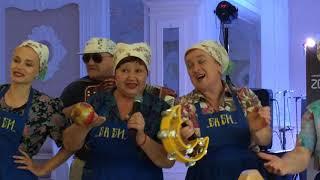 Тернопільські баби дають жару на весіллі в Хирові #01