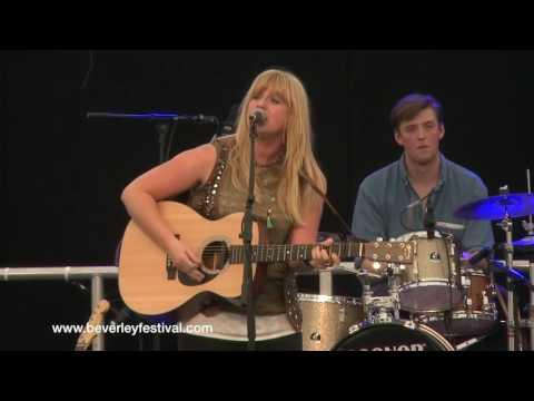 Chloe Chadwick at Beverley Folk Festival 2016