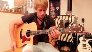 """Nổi danh """"Thánh guitar"""" với ca khúc Memories"""