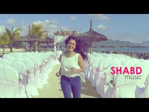 neha-kakkar-singing-song---------dil-diya-gallan