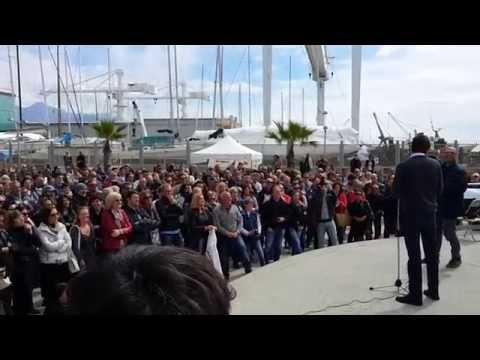 Alessandro Di Battista e Alfonso Bonafede a Marina di Carrara 19/4/15