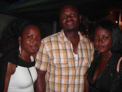 Angola BBQ Tilburg foto's (muziek van Mc Mokonzi)