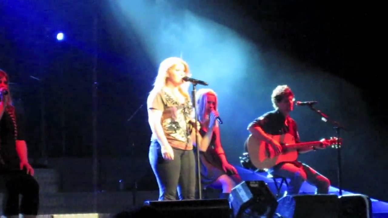 Download Kelly Clarkson: Already Gone - Live Acer Arena 2010