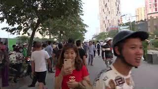 Toàn cảnh vụ nam thanh niên ngáo đá trèo cột điện ở phố Tố Hữu
