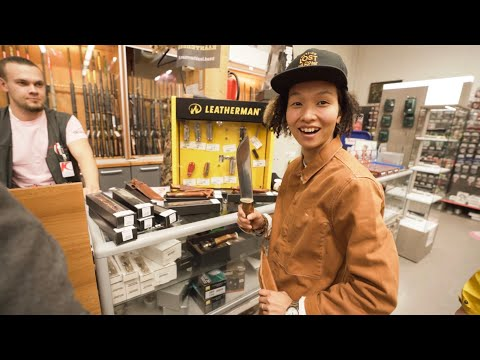 KNIFE SHOPPING IN FINLAND / PUUKKO