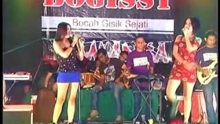 Download lagu ROMANSA   DISAAT AKU TERSAKITI EDOT ARISNA FEAT ULFA  BOGISST
