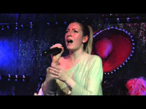 Fee Lings-karaoke Laura Sánchez Delgado