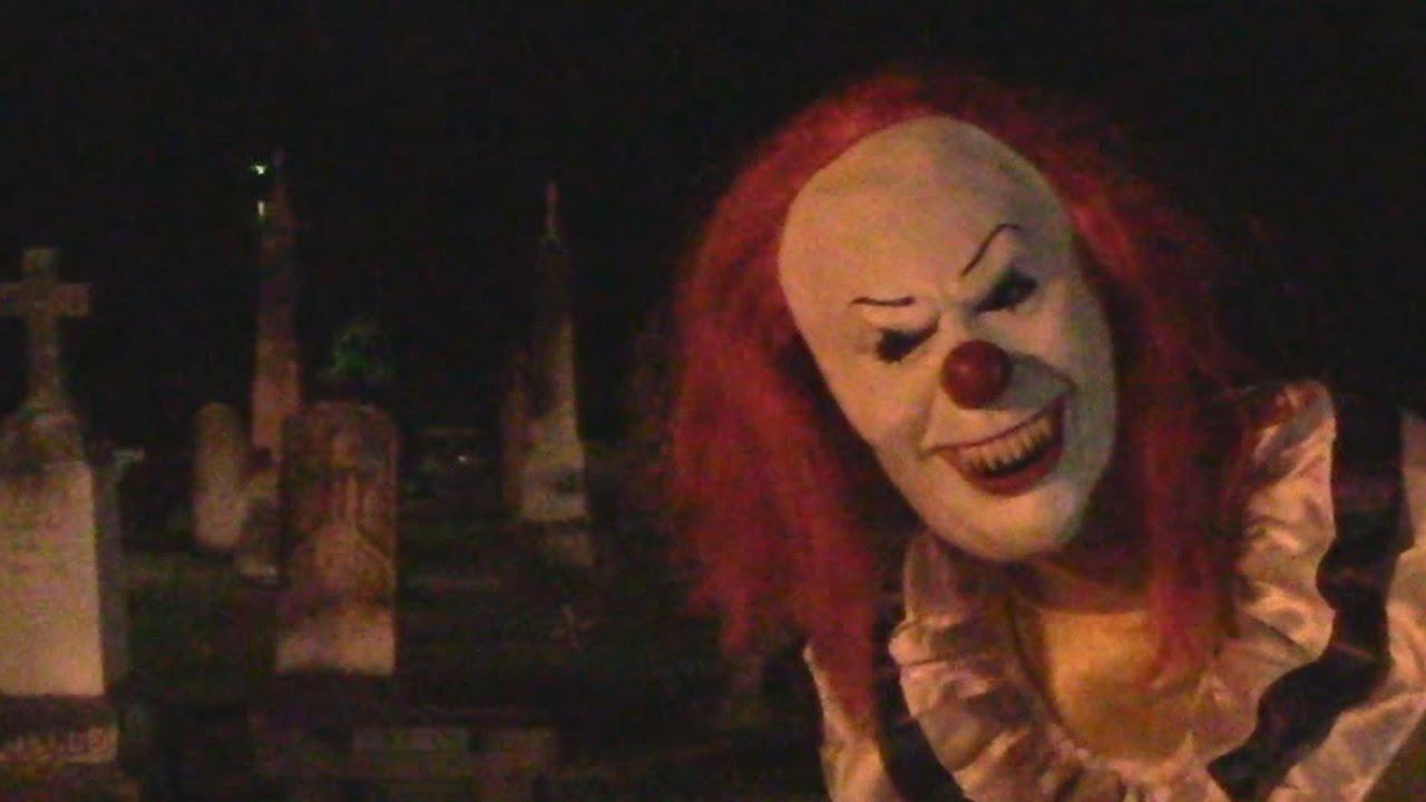killer clown scare prank youtube