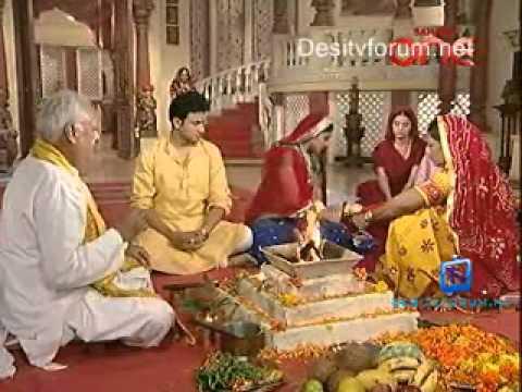 Kesariya Balam Aavo Hamare Desh   30th June 2011 Video Watch pt1