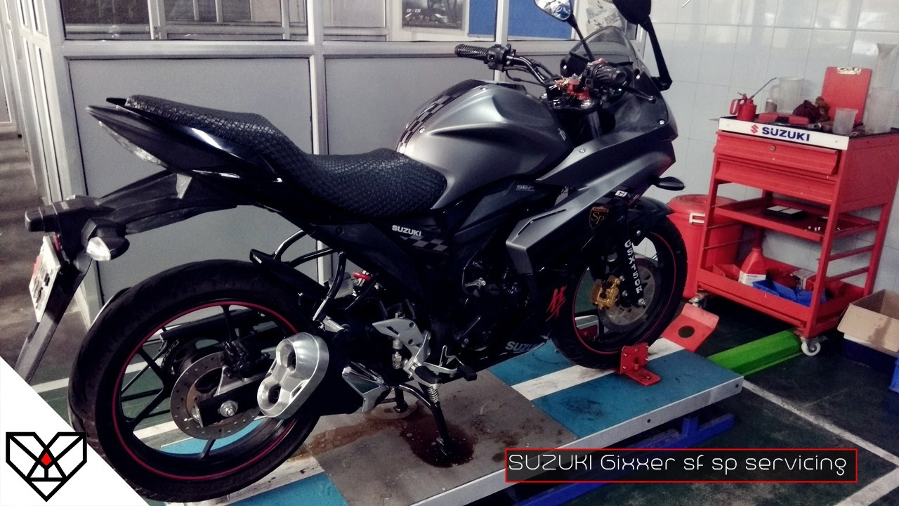 Suzuki Gixxer Sf Servicing Engine Oil Change Bokaro Black Modified Jharkhand