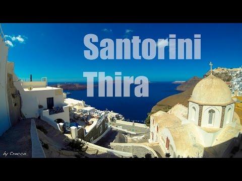 Walking trough Thira - Santorini