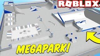 MASSIVE MEGA SKATEPARK! (Roblox Growing Up)