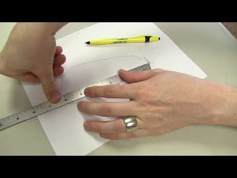 How to   Size for Fast Fit by tracing the foot