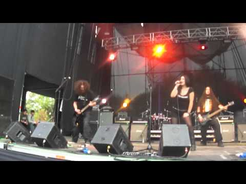 "SACRAMENTO - ""Everything To Waste"" Live @ ""The Metal Fest"", Santiago CHILE 2012"