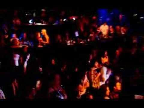 Ian Brown F.E.A.R. @ NME Music Awards 2006 (2/3)