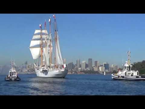 South Passage meets Esmeralda in Sydney 3-11-2016