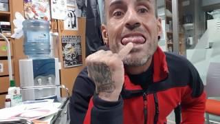 Como Se Hace El Piercing De La Lengua Piercing Lengua Piercing Punta Lengua Surface Lengua Youtube