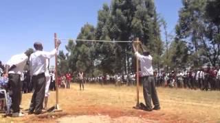 Нереальные прыжки в исполнении школьников из Кении