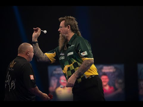 "Simon Whitlock on bizarre win over Mervyn King: ""I thought I'd leave the fly there!"""