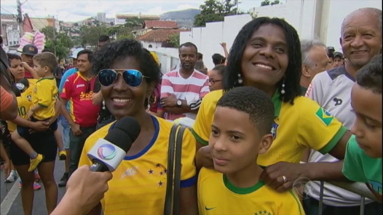 Seleção Brasileira faz primeiro treino para jogo contra Argentina ... a20ed08e3d01c