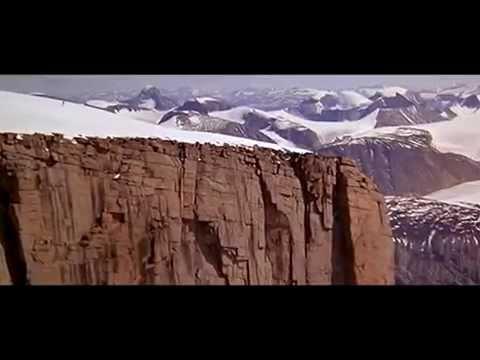 Download James Bond Stunts - Rick Sylvester 'Off the Ledge' / The Spy Who Loved Me