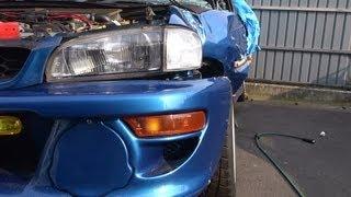 事故車両となったインプレッサ。奇跡的にドライバーも足まわりも無事