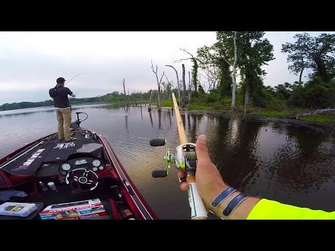 Bass boat tour doovi for Lunkerstv fishing rods