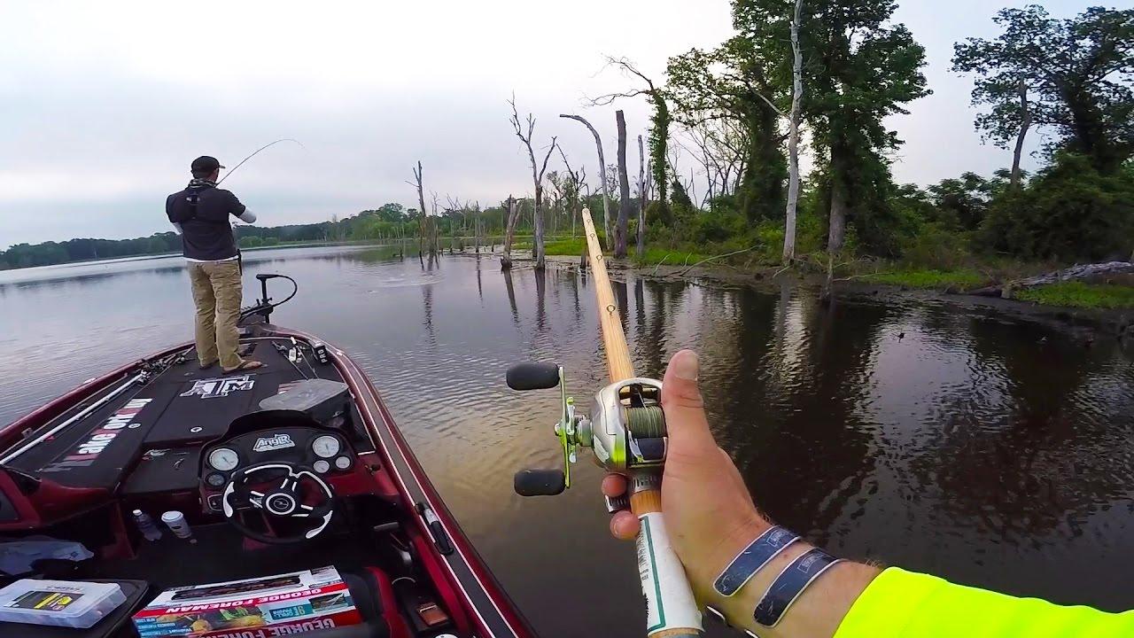 Homemade fishing rod challenge youtube for Lunkerstv fishing rods