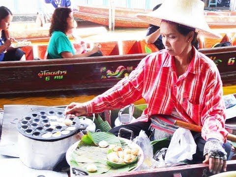 THAI STREET FOOD, FLOATING MARKET THAILAND,  COOKING FOOD ON BOATS, Damnoen Saduak Floating Market
