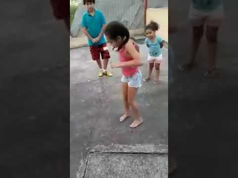 Mc levin- vai vai perereca, crianças dançando os passinhos  💥 thumbnail