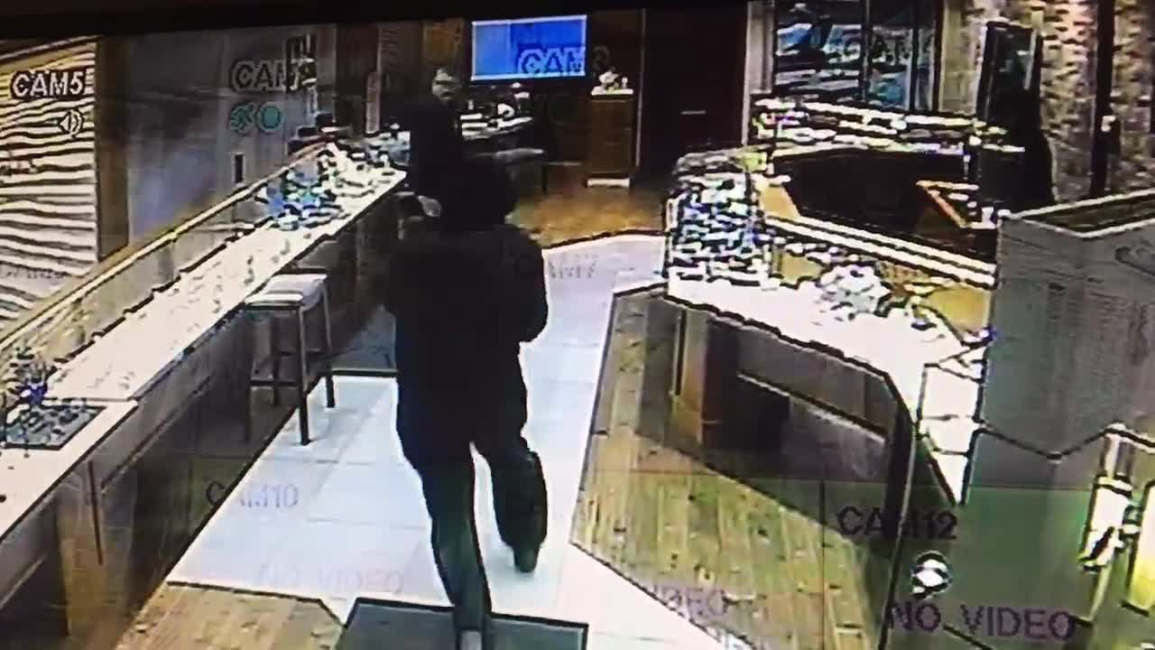 jewelry robberies robbery at hinsdale jewelry store 7129