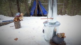 Off Grid experiment: Firing up my virgin Rocket Stove / Water Heater
