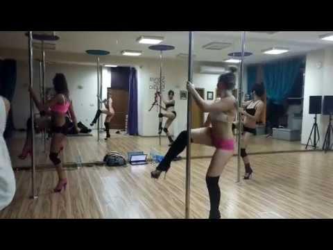 Madi ChaShake  Bandz make her dance juicy j featuring lil wayne & 2 chainz tw