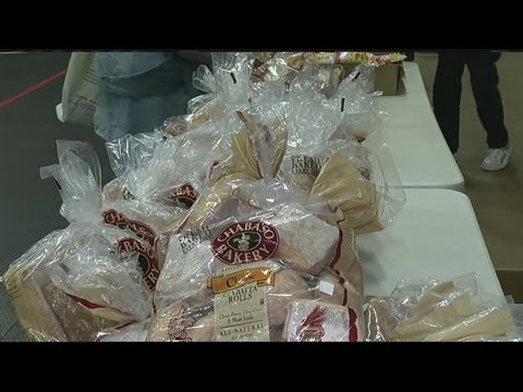 Martin Luther King Jr. Center helps feed hundreds of families in need