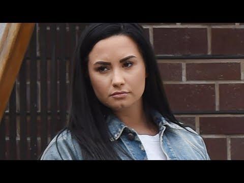 Demi Lovato FAT SHAMED! Mp3