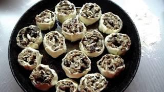 Ну очень вкусный и быстрый рецепт из слоёного теста🍮Мини рулетики с фаршем и грибами
