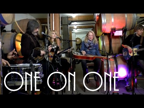 ONE ON ONE: Larry Campbell & Teresa Williams Feat. Cindy Cashdollar 1/18/17 City Winery New York