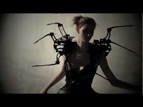 ROBOTIC SPIDER DRESS || CREEPY COUTURE ^^