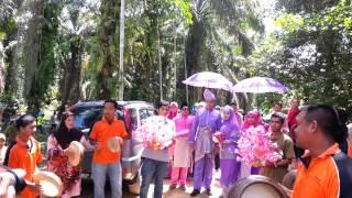 the kompang dipalu