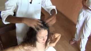 Аюрведа: массаж головы!