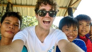 VOLUNTEERING WITH KIDS IN CAMBODIA