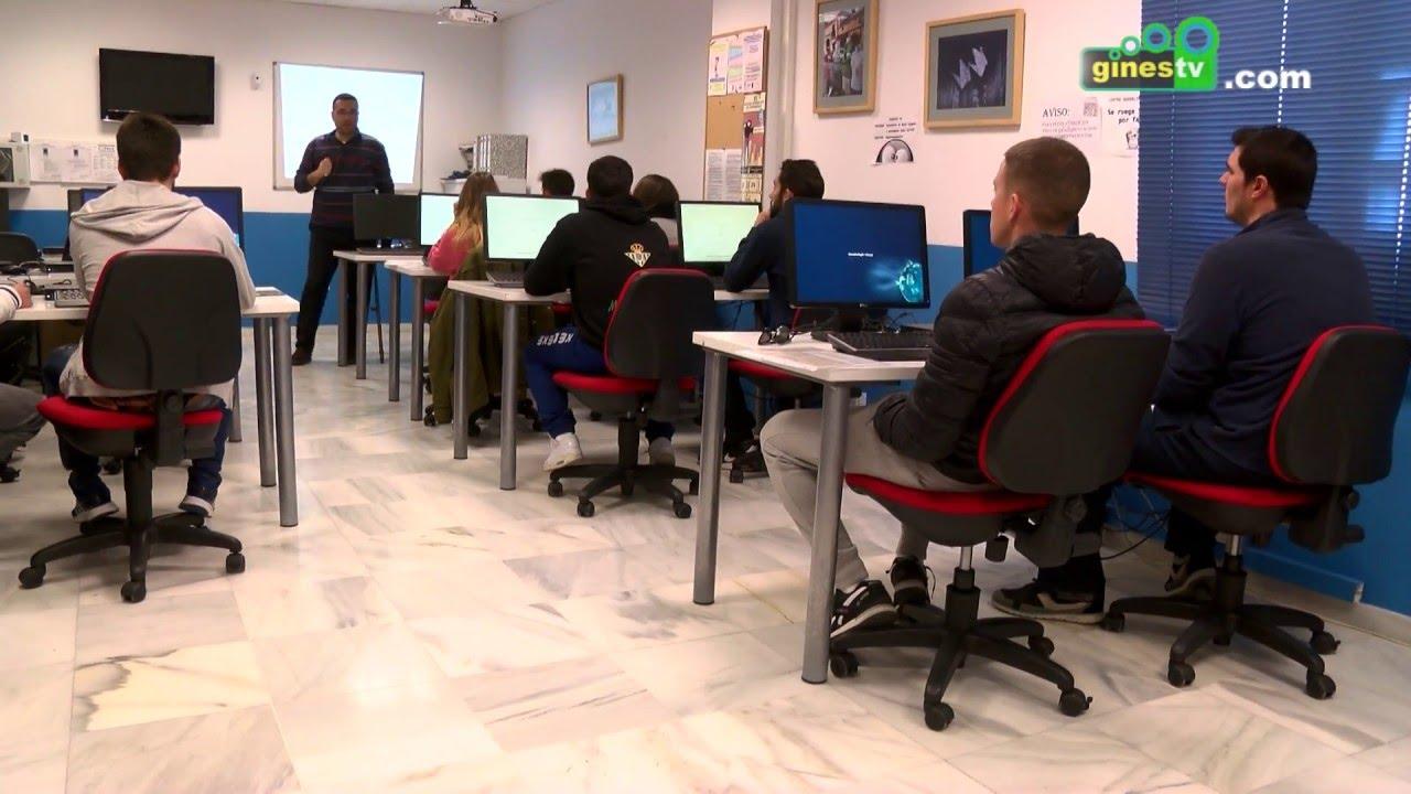 Guadalinfo de Gines imparte talleres de inscripción en el Fichero del Sistema de Garantía Juvenil