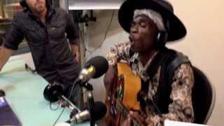 Brushy One String - Chicken on the Radio