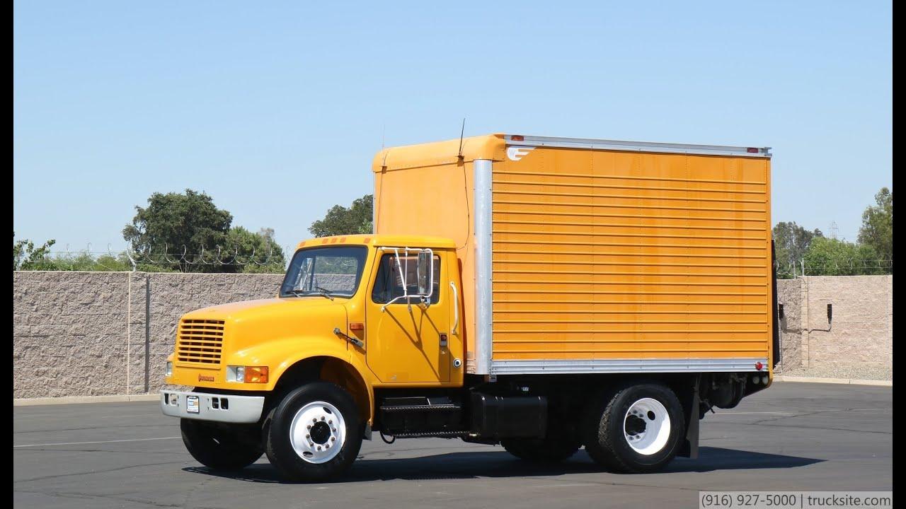 1990 International 4700 12' Box Truck