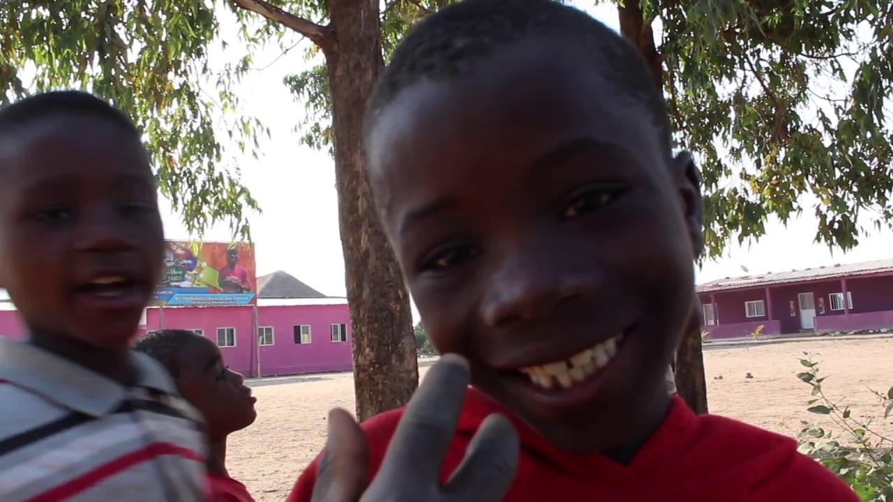 VLOG #02 Angola - Aldeia Nissi