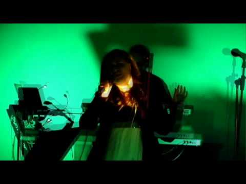 Synthlabor LET ME GO feat. Jade Latent live @ Plattenburg