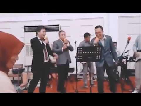 Naif Medley (Piknik 72, Johan & Enny, Rumah Yang Yahud) - Naif Cover by Calico Band